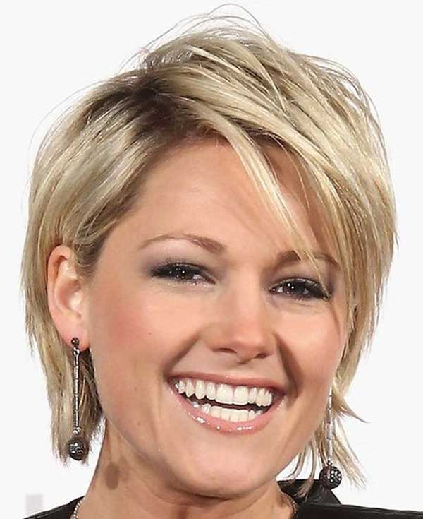 Short blonde layered haircut for thin hair