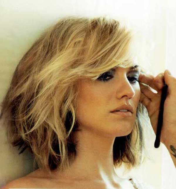 Blonde layered shoulder length haircut